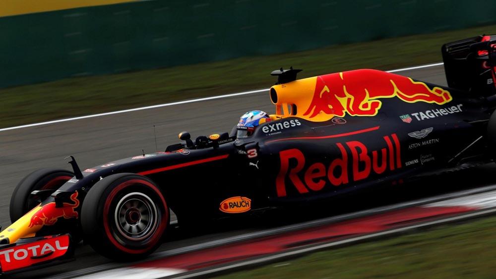 Σοκαρισμένοι στη Red Bull με τη δεύτερη θέση
