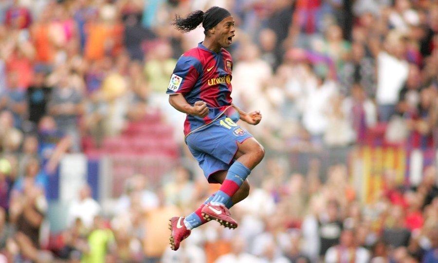 Ο Ροναλντίνιο έγινε 39 κι η UEFA θυμίζει πόσο λείπει από το ποδόσφαιρο (vid)