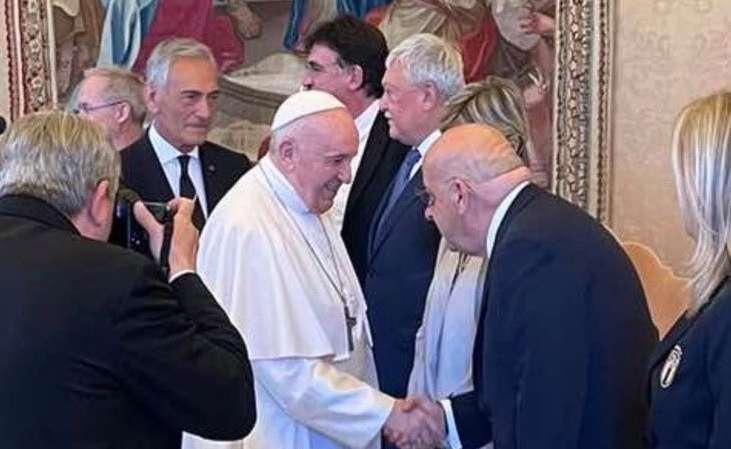 Στο Βατικανό ο Κούμας - Συναντήθηκε με τον Πάπα Φραγκίσκο (pics)