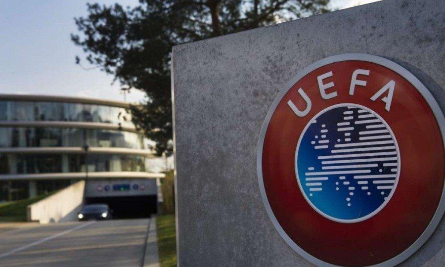 Τα βάζει ξανά κάτω για τα πρωταθλήματα η UEFA