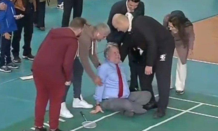 Τραυματίστηκε παίζοντας μπάντμιντον πρώην Υπ. Εξωτερικών της Ελλάδας! (vid)