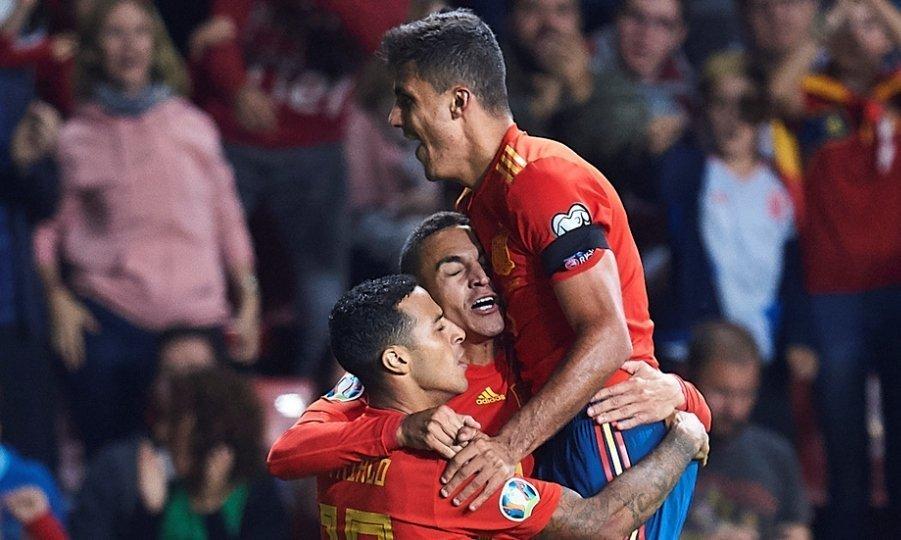 Απόλυτο στο «ρελαντί» για Ισπανία