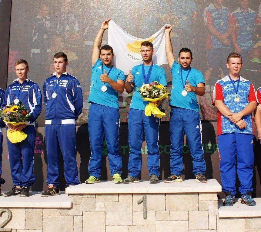 Η εθνική ομάδα του σκητ εφήβων, πρωταθλήτρια Ευρώπης για το 2016...
