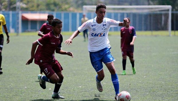 Ο 14χρονος γιος του Ροναλντίνιο υπέγραψε συμβόλαιο!