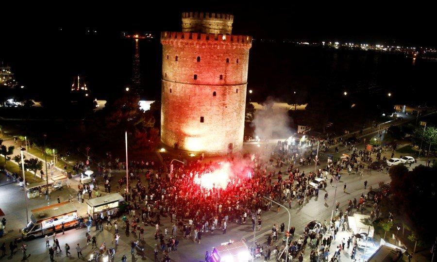 Χαμός στο Λευκό Πύργο