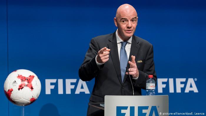 FIFA: «Λιγότερες διοργανώσεις και μείωση ομάδων…»