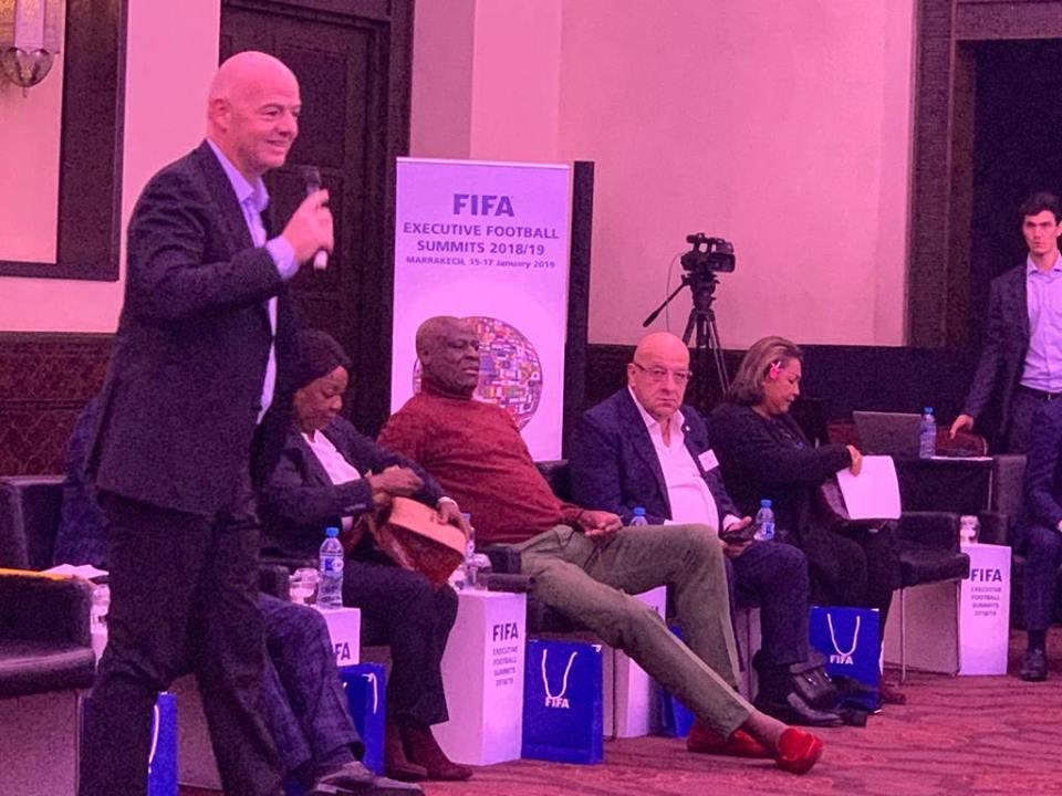 Εξέτασε νέες διοργανώσεις και VAR στην παρουσία Κούμα η FIFA