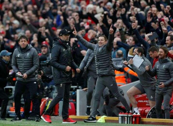 Τελικά... μασέρ των διαιτητών ο άνθρωπος πανηγύρισε το νικητήριο γκολ της Λίβερπουλ! (vid)