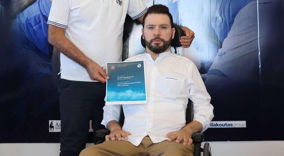 O Πέτρος πήρε το UEFA A και δίνει μάθημα ζωής!