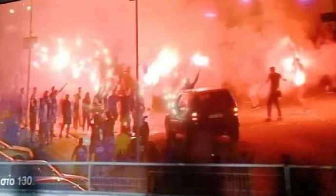 Ανόρθωση: Πάρτι από τους «Mαχητές» έξω από το «Αντώνης Παπαδόπουλος»