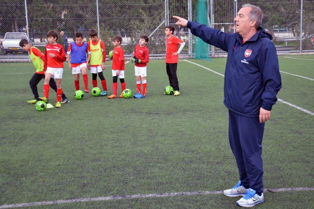 Στην Κύπρο ο σκάουτερ της Arsenal Λάκης Παπαϊωάννου