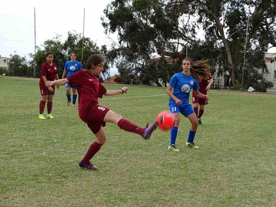 Και κορίτσια στο Ayia Napa Soccer Festival