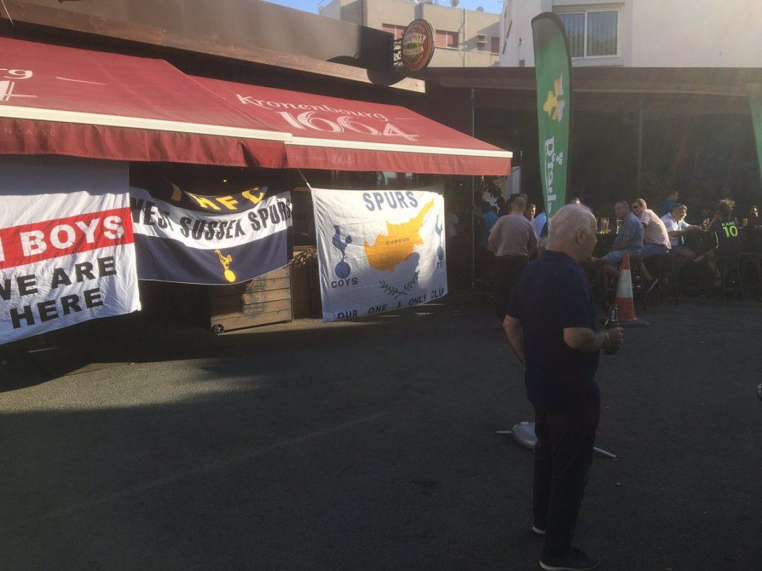 Χαμός στην Murphy's από τους οπαδούς της Τότεναμ! (pic & vid)