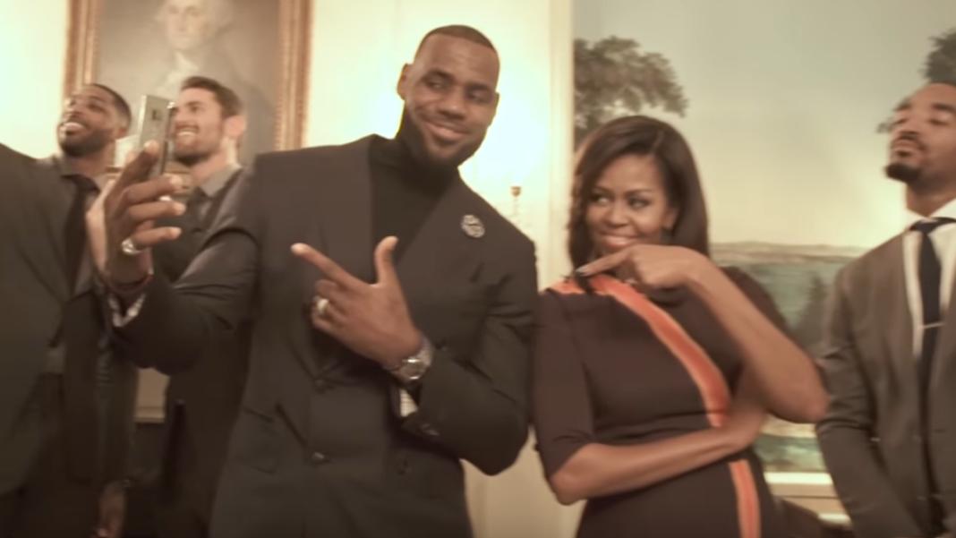 Το απίστευτο «Mannequin Challenge» των Καβαλίερς με τη Μισέλ Ομπάμα (βίντεο)