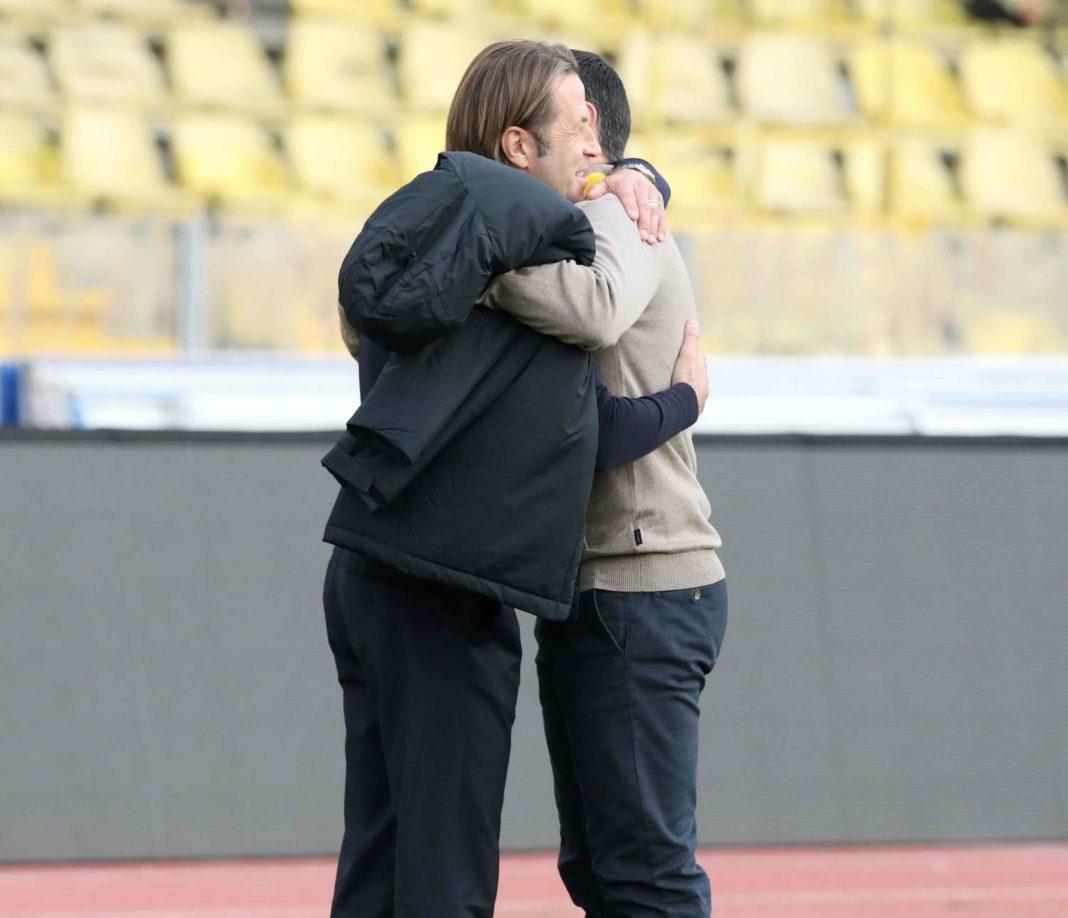 Κέρκεζ-Τραμετσάνι: Αγκαλιά... από αυτές που λίγες φορές βλέπουμε! (pics)