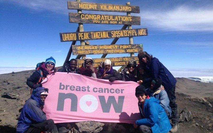 Τρεις Κύπριες στο Κιλιμάντζαρο λόγω καρκίνου του μαστού