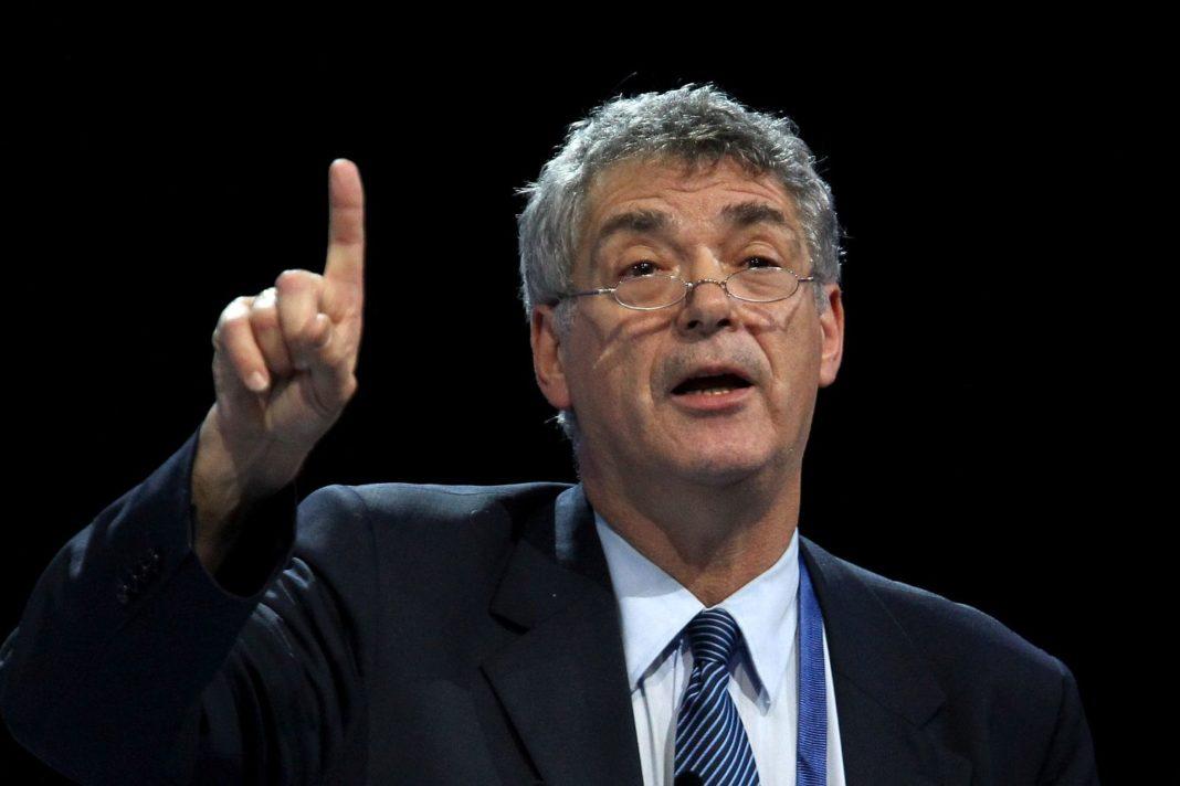 Παραιτήθηκε και από την UEFA ο Βιγιάρ