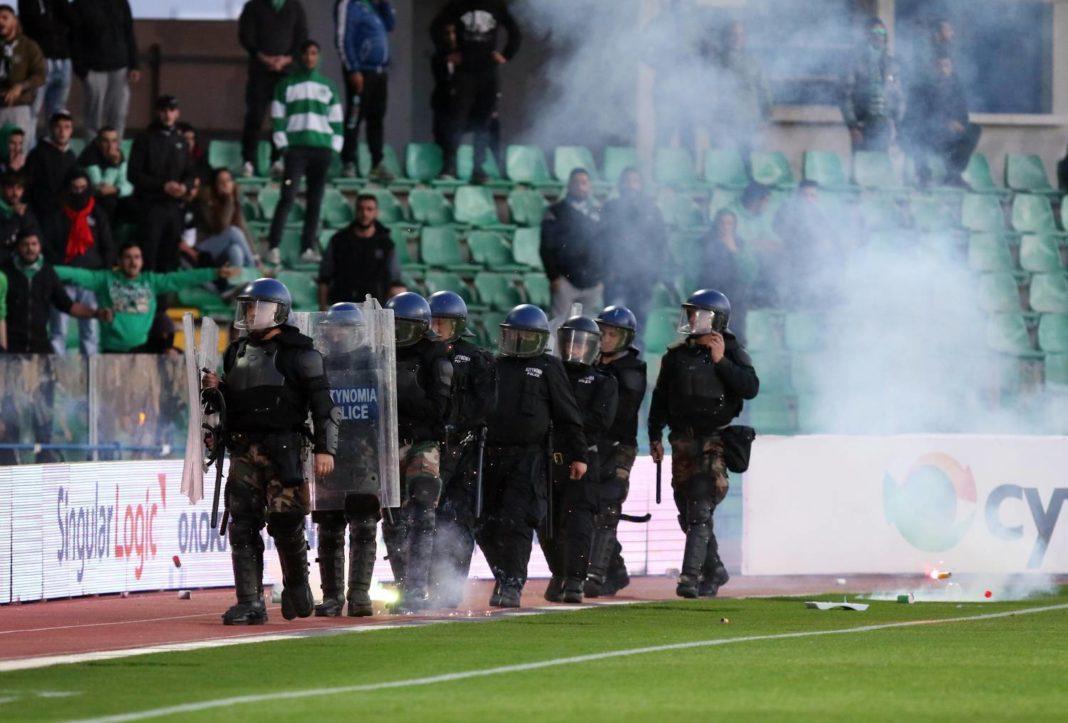 Αποκλεισμός από τα γήπεδα και εγγύηση €10.000