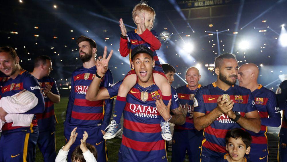 Το Camp Nou φόρεσε τα... γιορτινά του για τη φιέστα της Μπαρτσελόνα! (pics & vids)