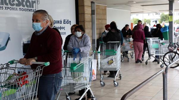 Επικίνδυνη διασπορά του ιού σε υπεραγορές - φούρνους
