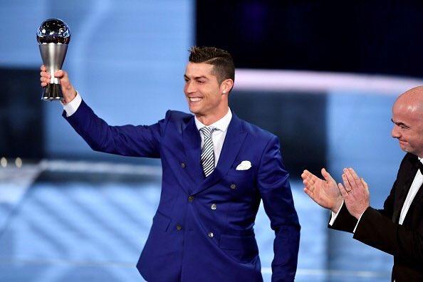 Βραβεύσεις FIFA: Τα πήρε όλα Ρονάλντο!