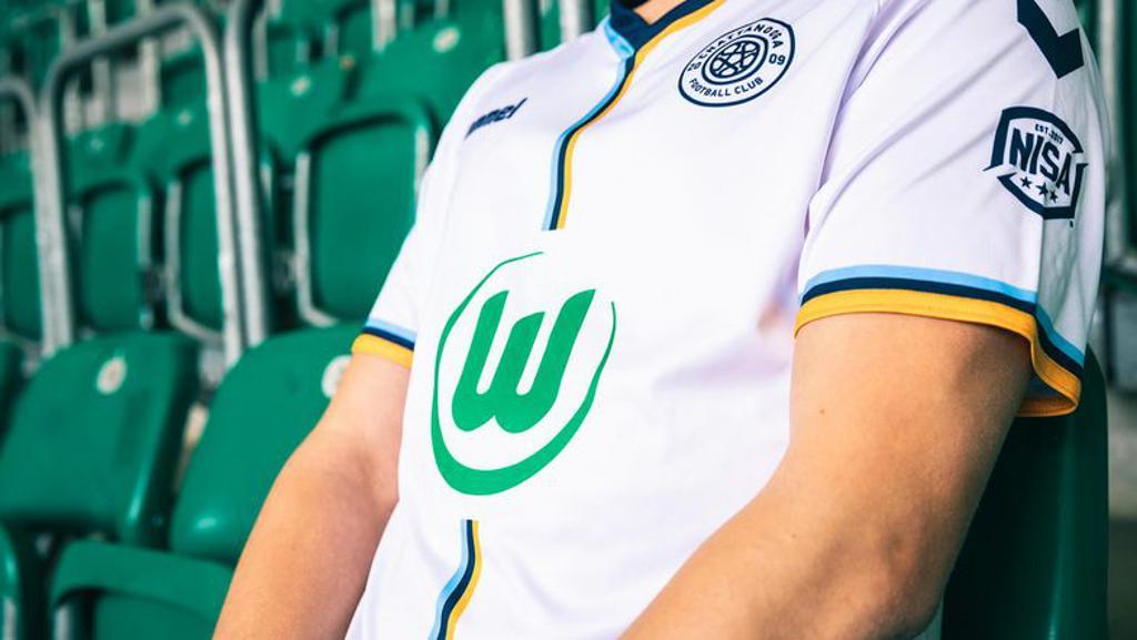 Η Βόλφσμπουργκ γίνεται ο πρώτος σύλλογος - χορηγός σε φανέλα άλλης ομάδας (pic)