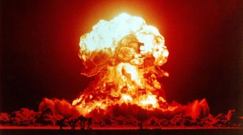 «Έρχεται βόμβα…»