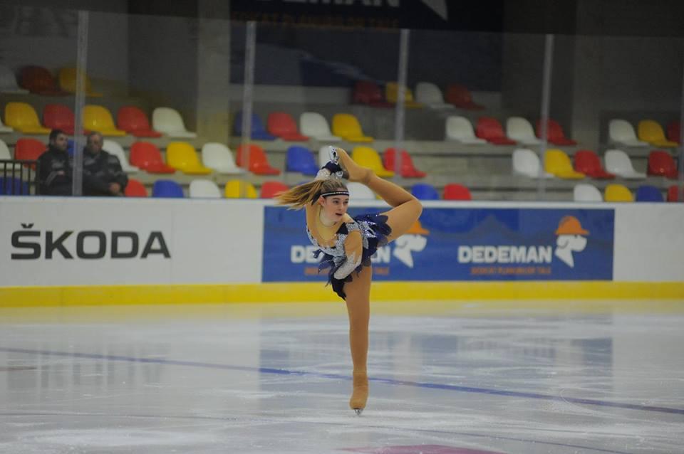 Χορεύει και καταπλήσσει η 15χρονη Ντανιέλα-Βανέσα Υψαρίδου