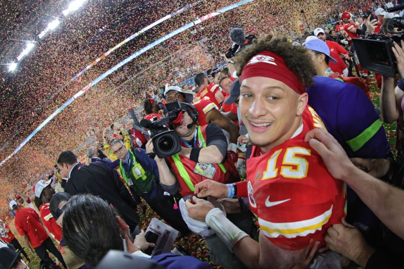 Το σήκωσαν οι Chiefs με σούπερ Μαχόουμς
