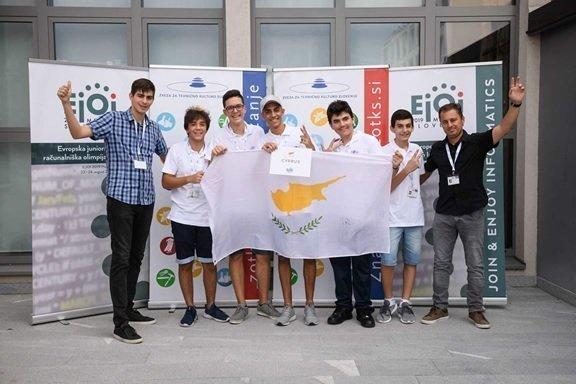 Τέσσερις μαθητές επιστρέφουν με τέσσερα μετάλλια από τη Βαλκανική Ολυμπιάδα Πληροφορικής Νέων
