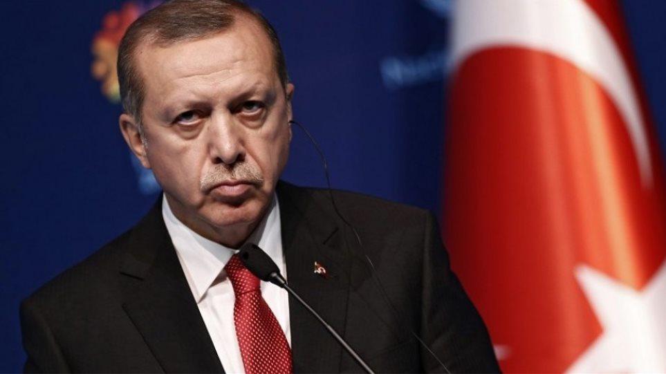 Έξαλλος ο Ερτογάν: «Μεροληπτική η συμπεριφορά της UEFA προς την Τουρκία»