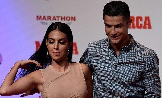 Ο Ρονάλντο απαντά: Το ψαλιδάκι με Γιουβέντους ή σεξ με τη Χεορχίνα;