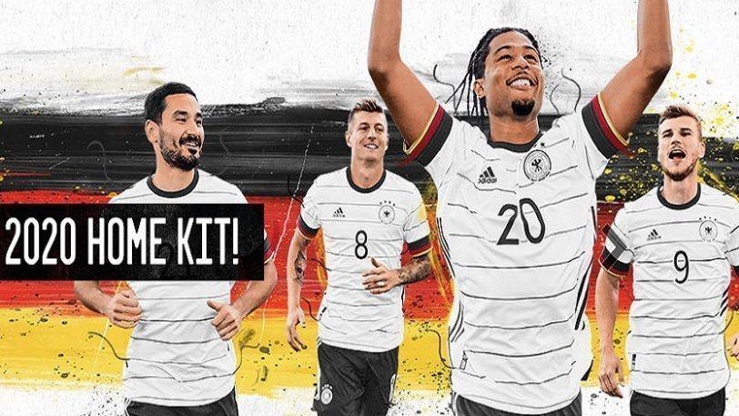 Γερμανία: Η νέα φανέλα με τα χρώματα της σημαίας στο μανίκι (pic)