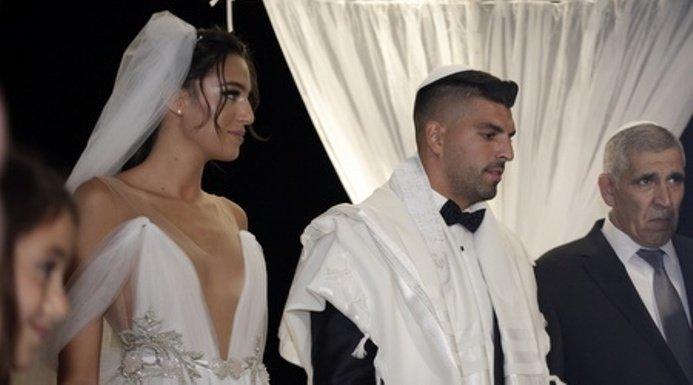 Παντρεύτηκε και ο Αρούς