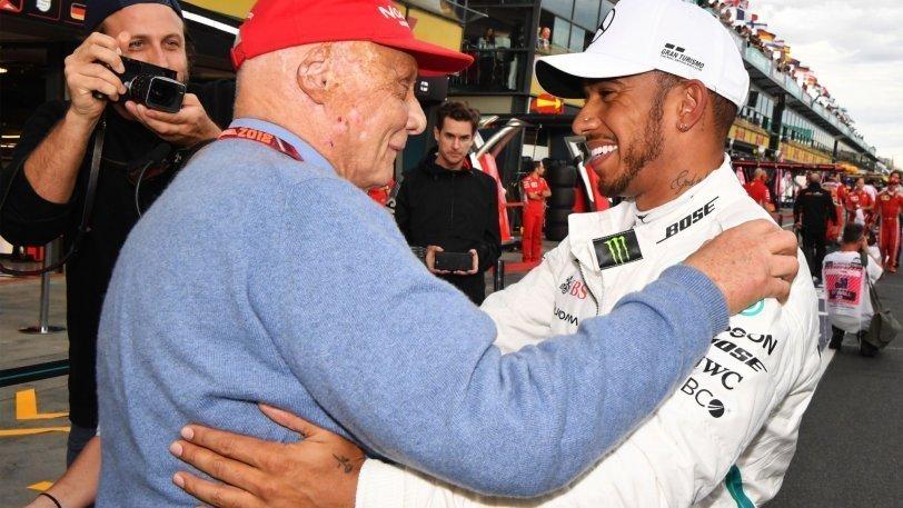 Ο Χάμιλτον αφιέρωσε την pole position στον Νίκι Λάουντα