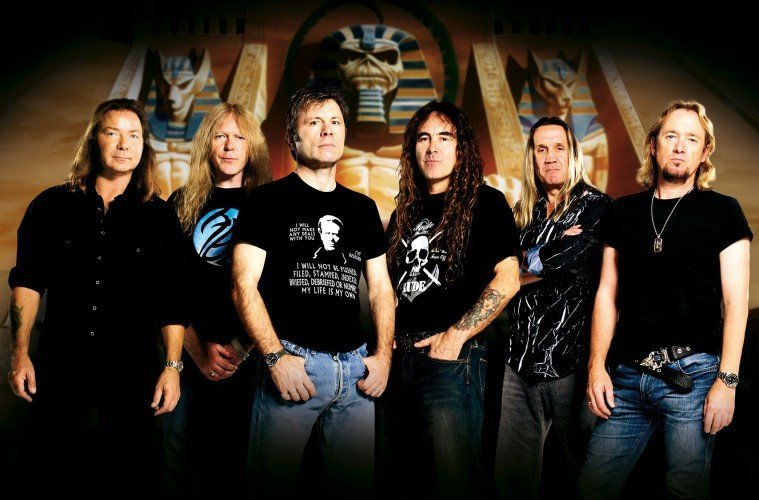 «Δίνει» το γήπεδο της στους Iron Maiden