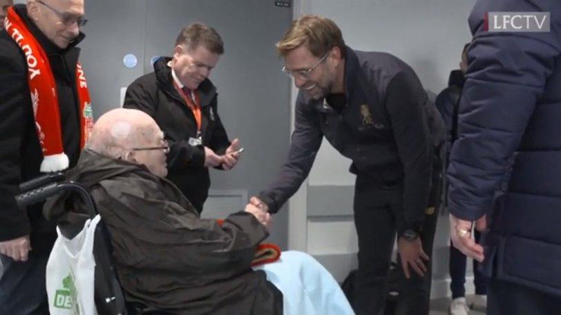 Είδε το ματς με Πάλας ο οπαδός της Λίβερπουλ που... έφτασε στα 104 χρόνια ζωής! (vid)
