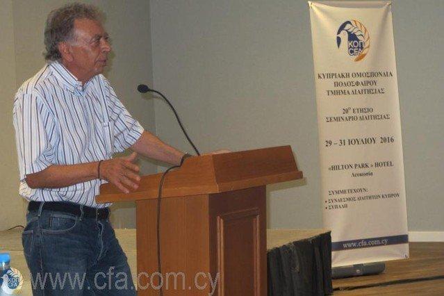 Kουτσοκούμνης σε διαιτητές: «Αδικείτε τις ικανότητες σας» (Με Κύπριους ο τελικός)