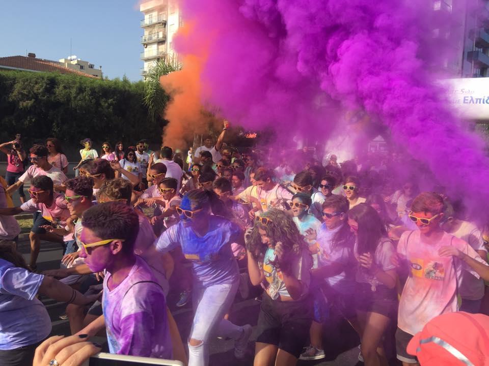 Λεμέσια 2016 MTN Run In Colour: Χιλιάδες άτομα βρέθηκαν στη γραμμή εκκίνησης