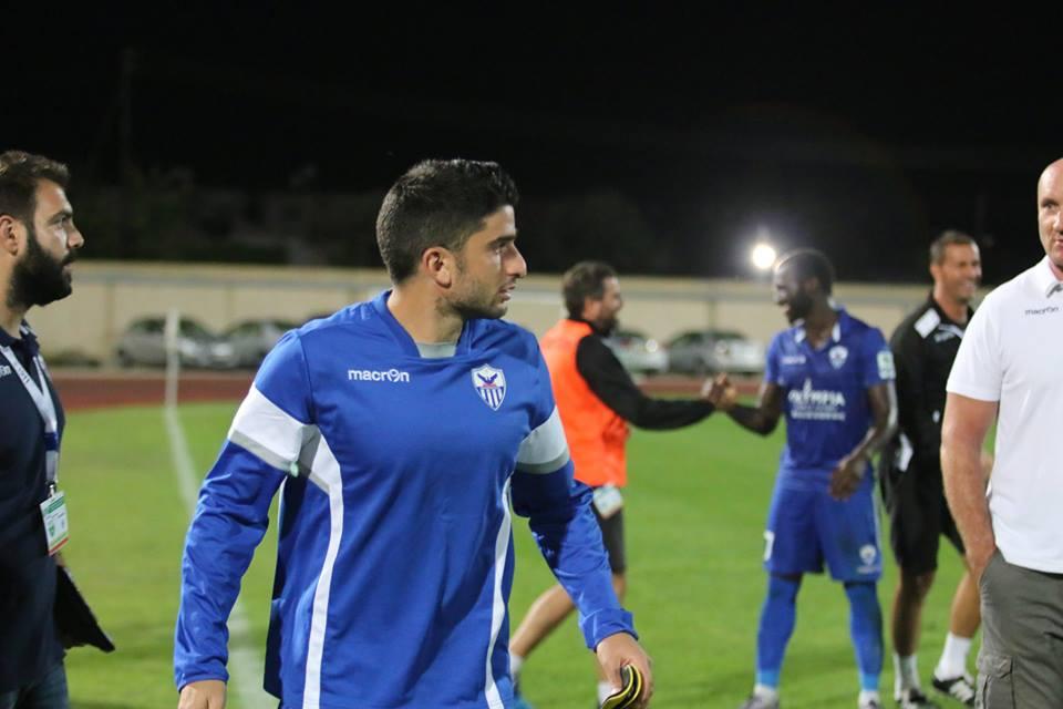 Πρώτες επαφές με Κύπριους ποδοσφαιριστές