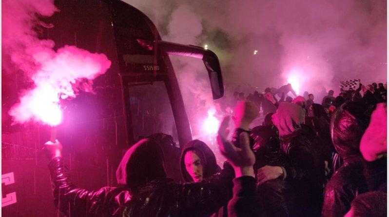 ΠΑΟΚ: Ασπρόμαυρη καταιγίδα στην Εθνική Οδό για το πρωτάθλημα