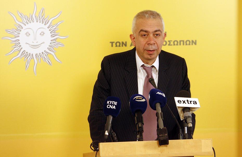 «Αηδία»: Πρώην βουλευτής σχολιάζει το ντέρμπι των «αιωνίων»