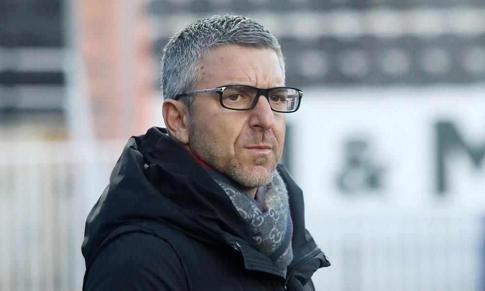 Φαβορί για νέος προπονητής ο Νίκκι Παπαβασιλείου