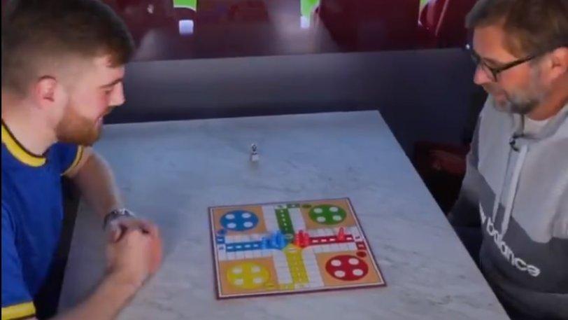 Κλοπ: Παίζει επιτραπέζιο με οπαδό της Έβερτον και... αποκαλύπτει! (vid)