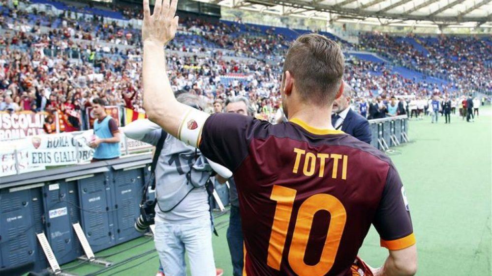 Σπαλέτι: «Δεν θα αποσυρθεί ο Τότι»