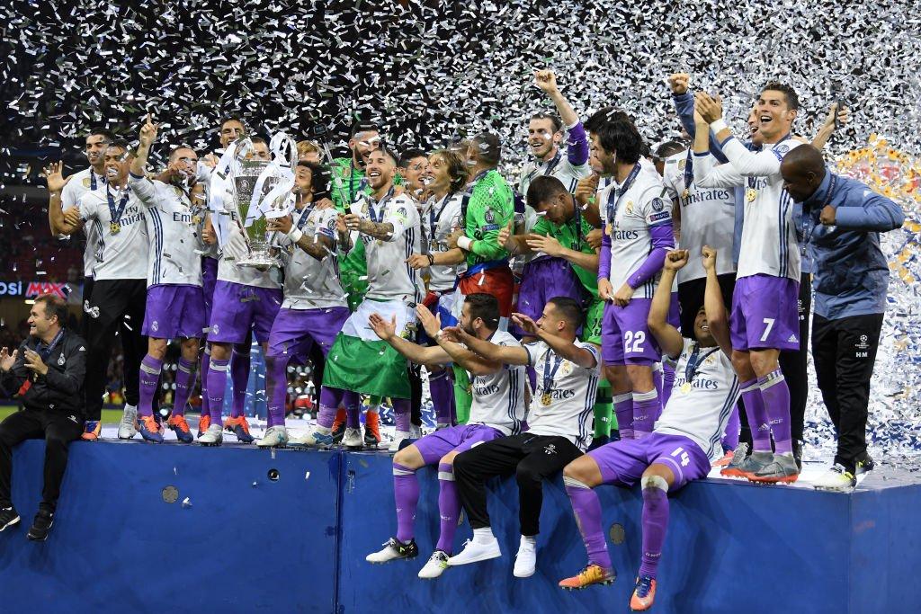 Έκανε πλάκα στον τελικό η «Βασίλισσα» του Champions League! (vids)