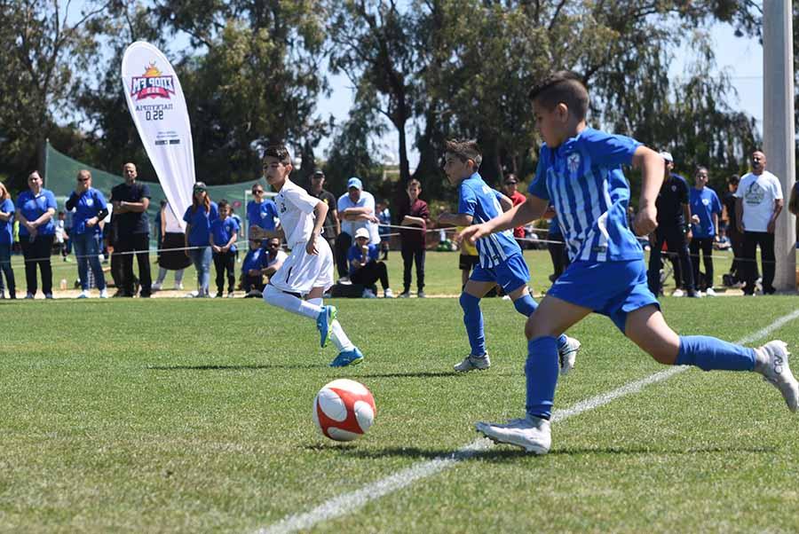 Χιλιάδες γονείς και παιδιά στην πρώτη μέρα του Ayia Napa Soccer Festival