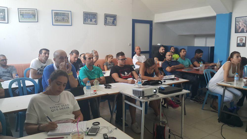 Είκοσι τρείς συμμετέχοντες στη Σχολή Προπονητών
