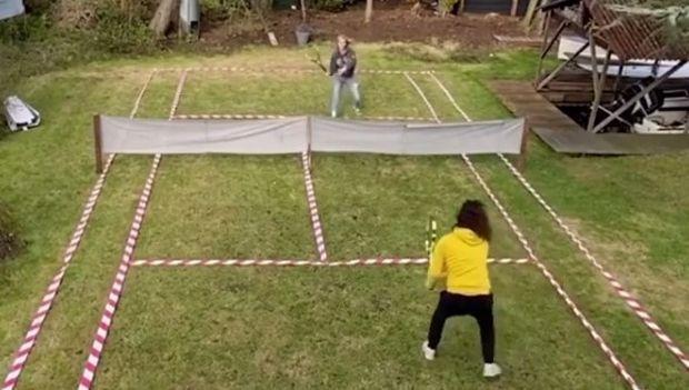 Κορωνοϊος: Έφτιαξαν το πιο όμορφο γήπεδο τένις μέσα στην καραντίνα