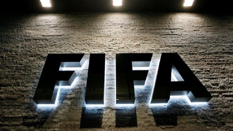 Παρέμβαση FIFA: «Ελπίζουμε σε συμφωνίες συλλόγων – παικτών για μισθούς»